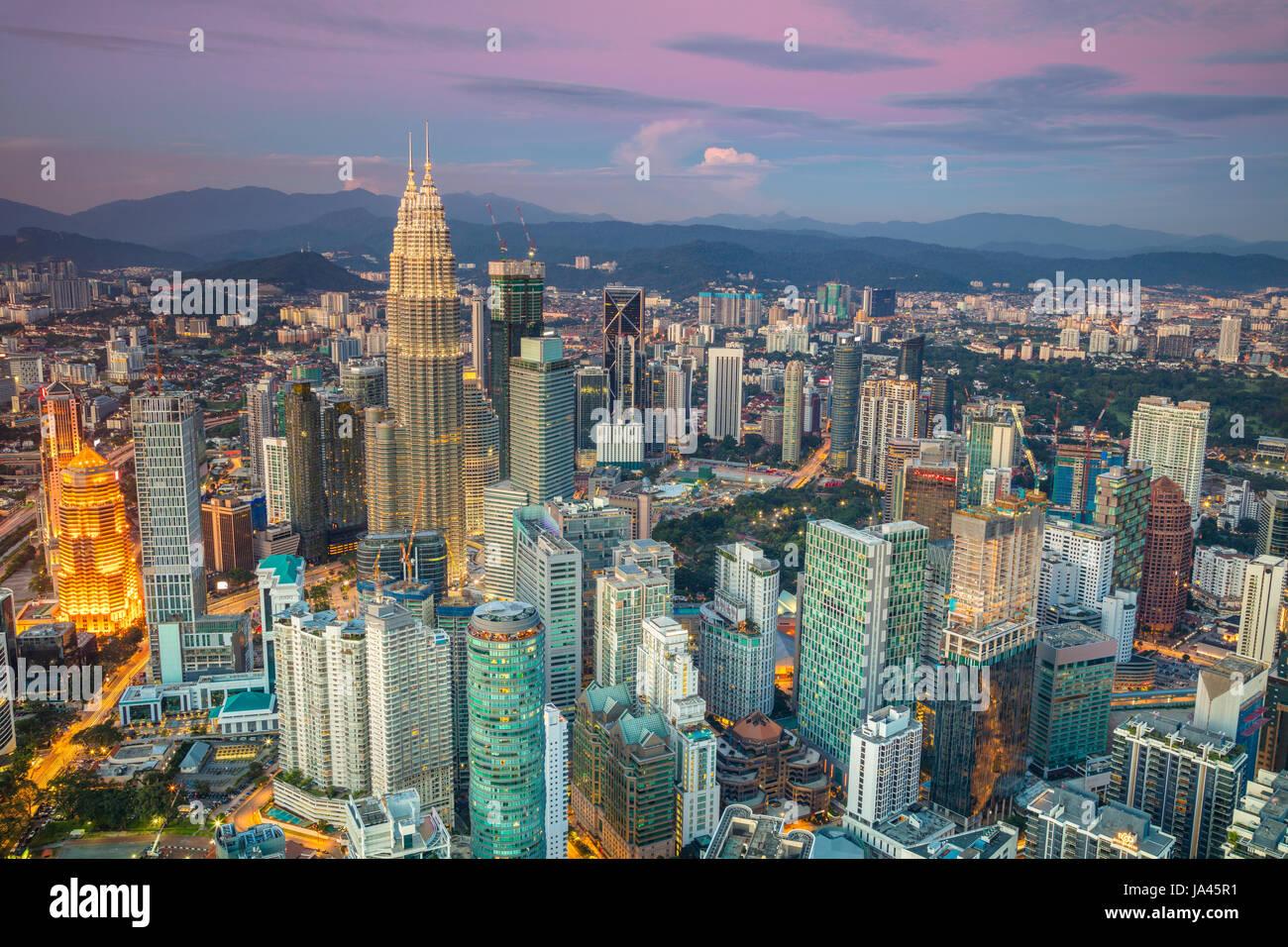Kuala Lumpur. Immagine di paesaggio cittadino di Kuala Lumpur in Malesia durante il tramonto. Immagini Stock