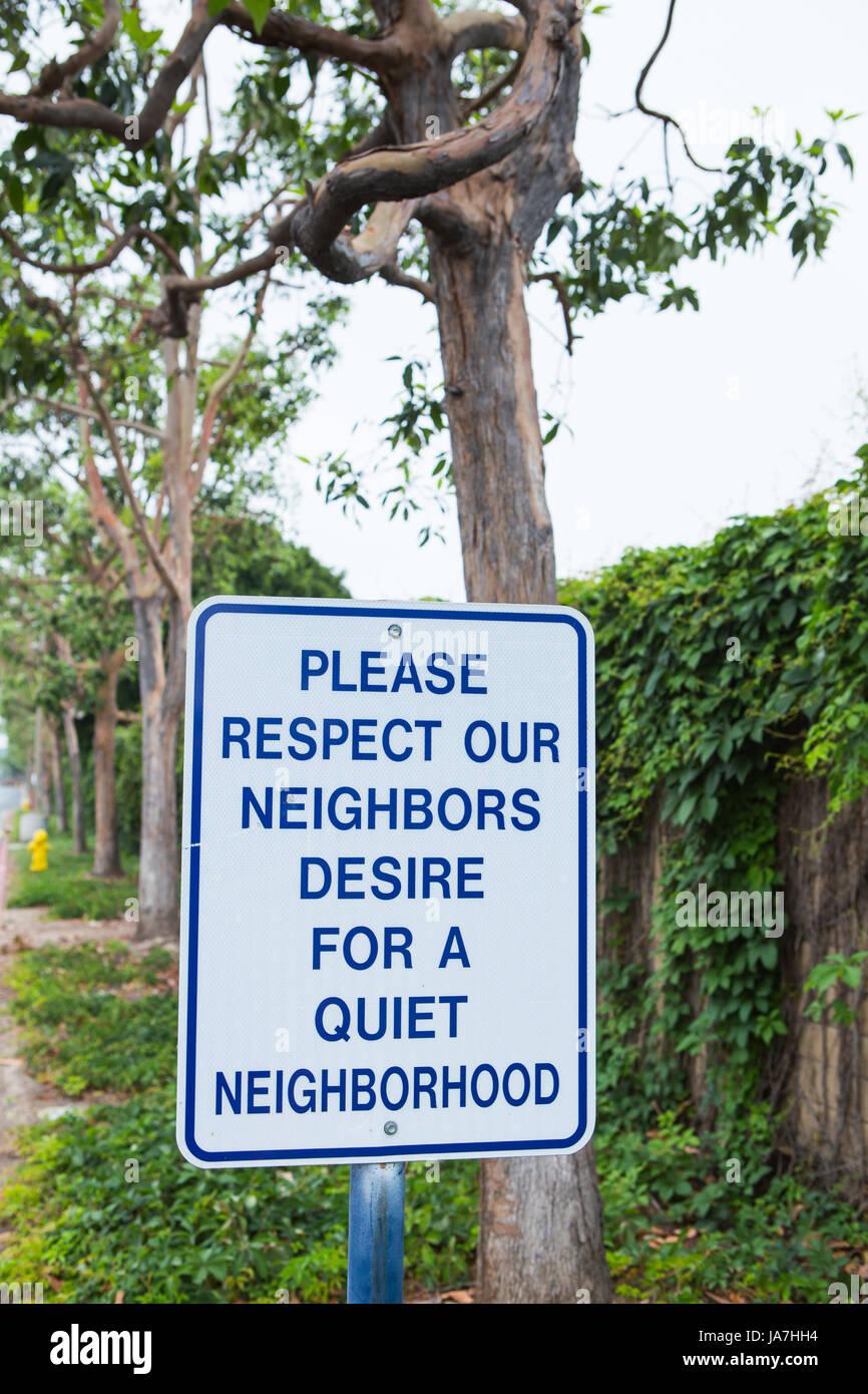 Richiesta per un tranquillo quartiere segno Immagini Stock