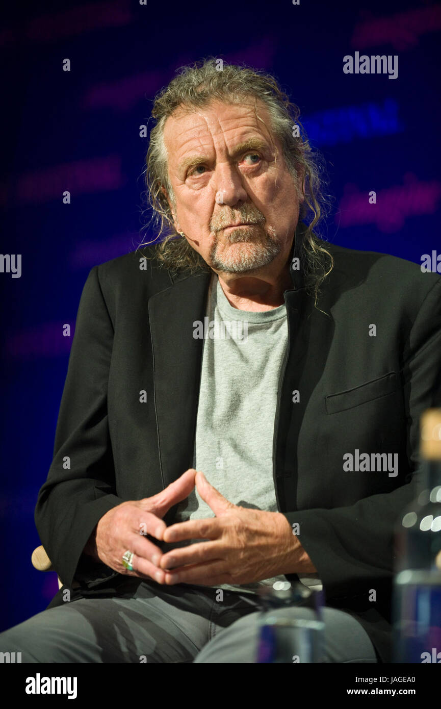 Robert Plant leggendario cantautore e musicista raffigurata sul palco a hay festival della letteratura e delle arti Immagini Stock