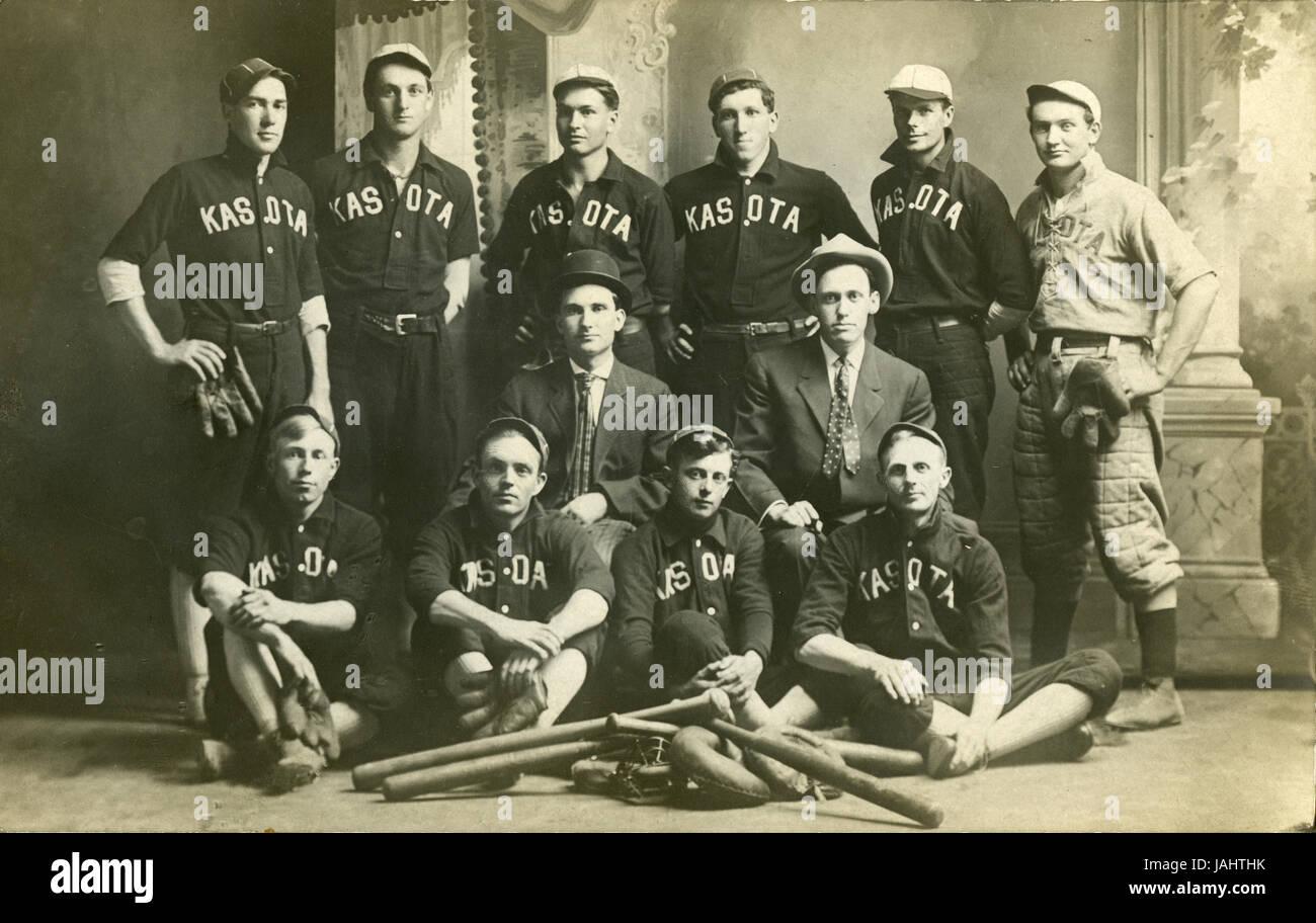 Antique c1910 fotografia, Kasota squadra di baseball in Kasota, Minnesota. Fonte: originale stampa fotografica. Immagini Stock