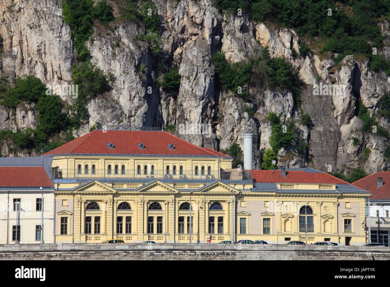 Bagni Termali Di Rudas Budapest : Ungheria budapest mount gellŽrt bagni termali di rudas foto