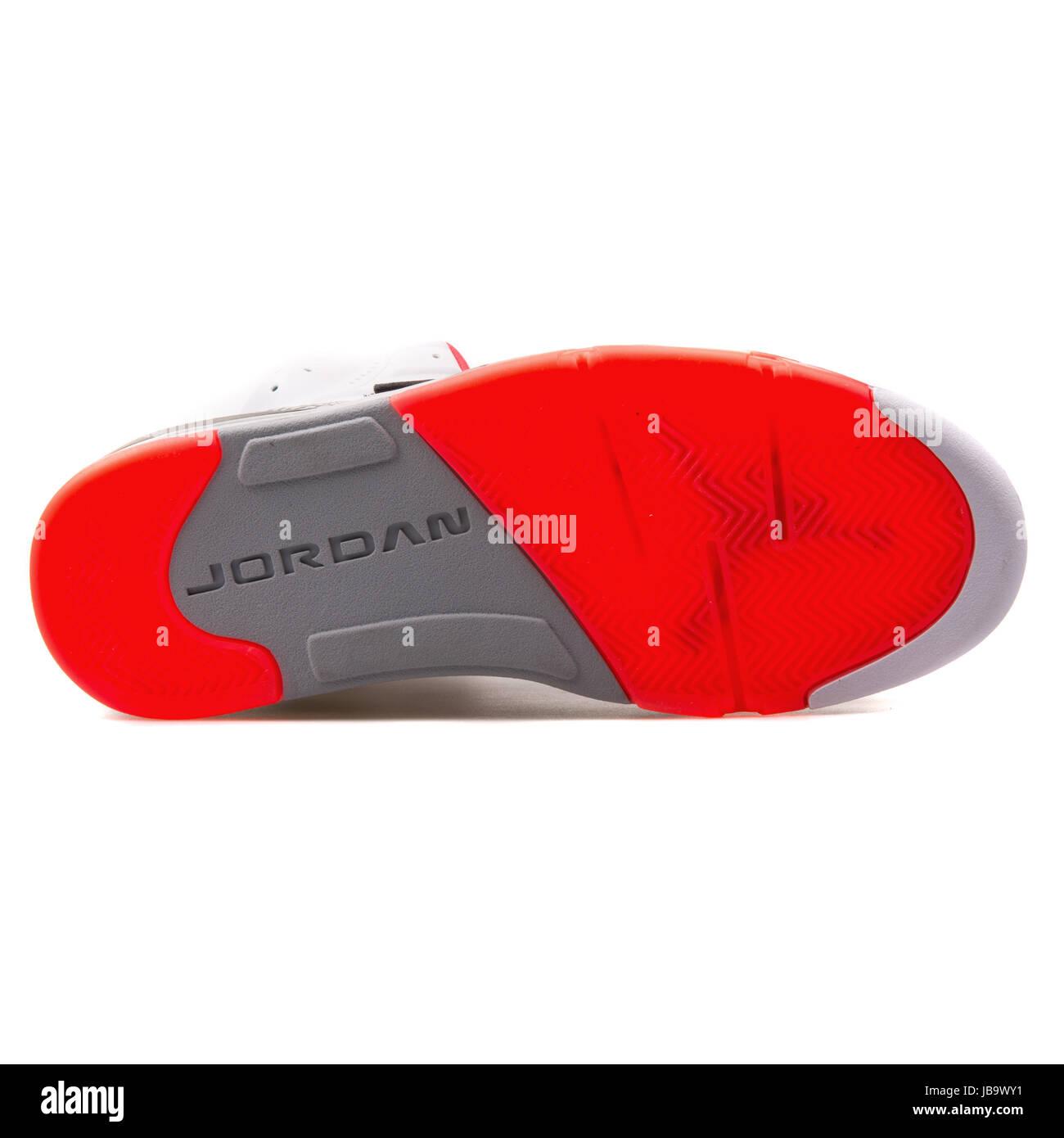 online store dda99 a538a Nike Jordan figlio di bianco, nero e grigio uomini scarpe da basket -  512245-