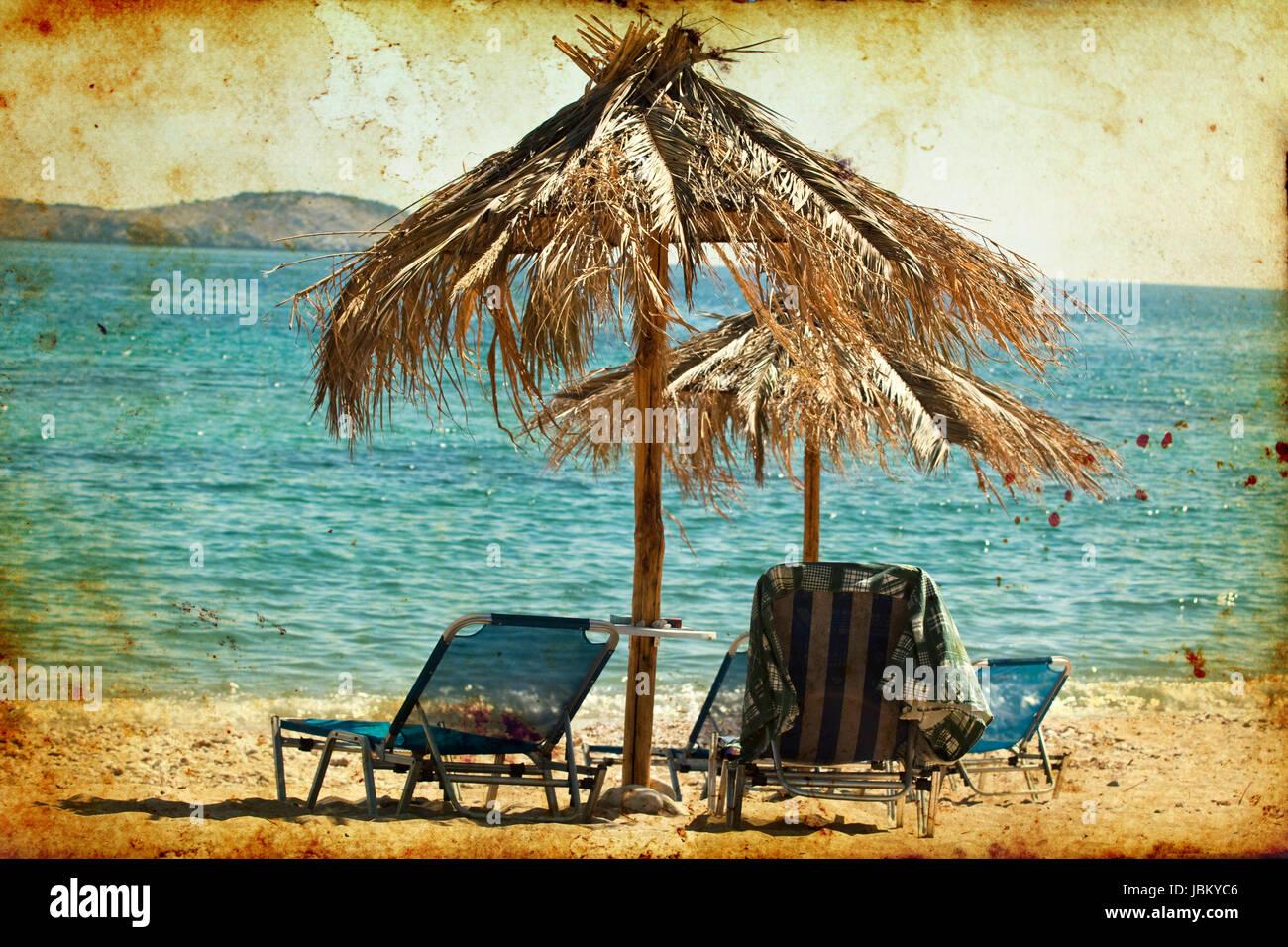 Sedie Depoca : Foto d epoca di sedie a sdraio e ombrelloni sulla spiaggia foto