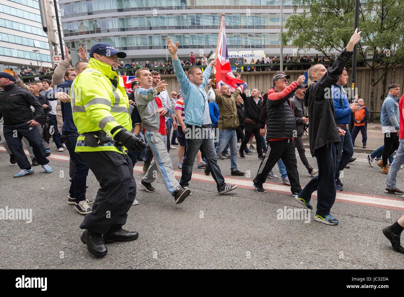 """Circa un migliaio di partecipare a destra """"unirsi contro l' odio anti-islamico e marzo Rally porterebbe Immagini Stock"""