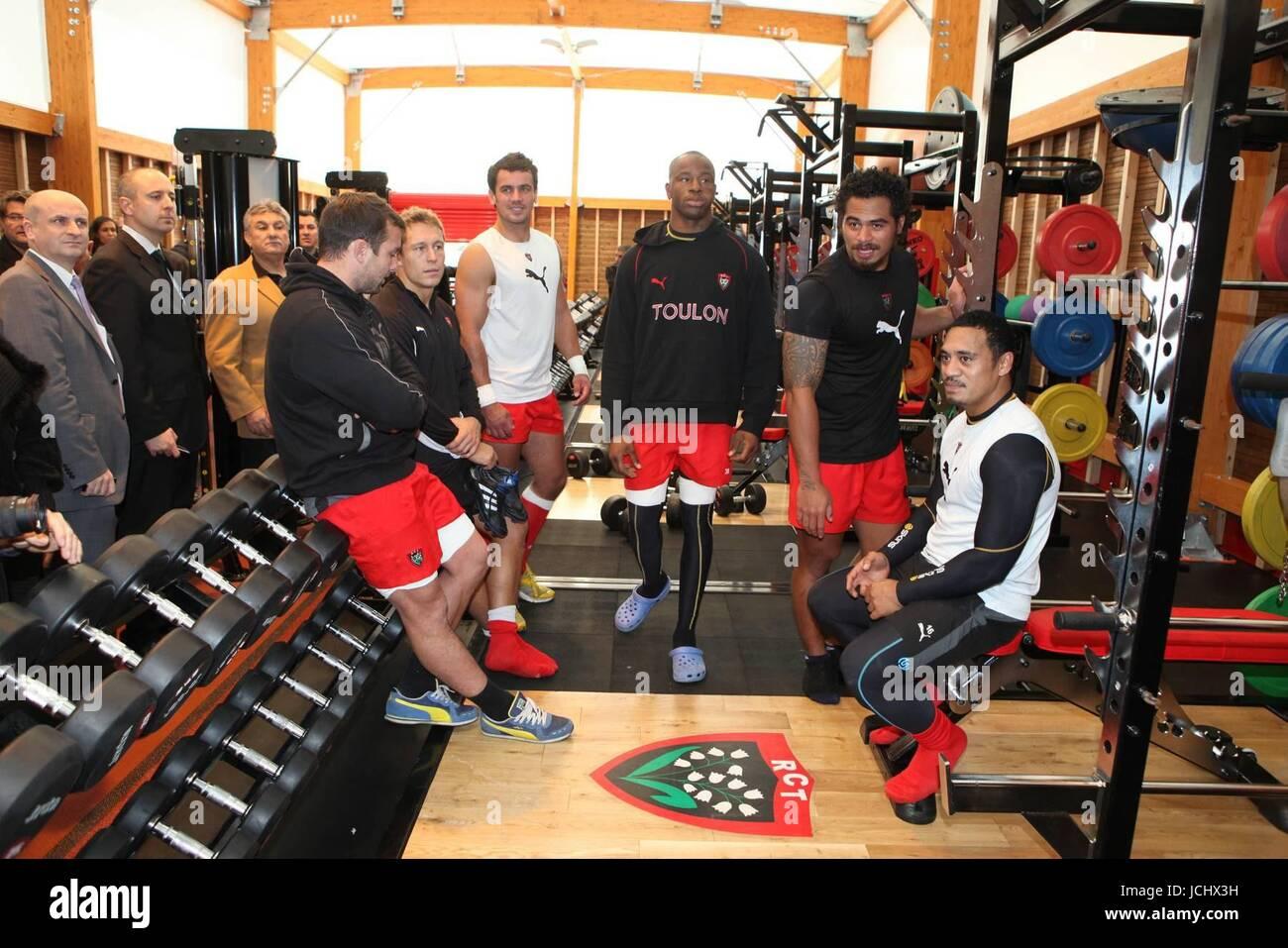 giocatori di rugby gay datazione che tipo di vestiti devo indossare per uscire velocità
