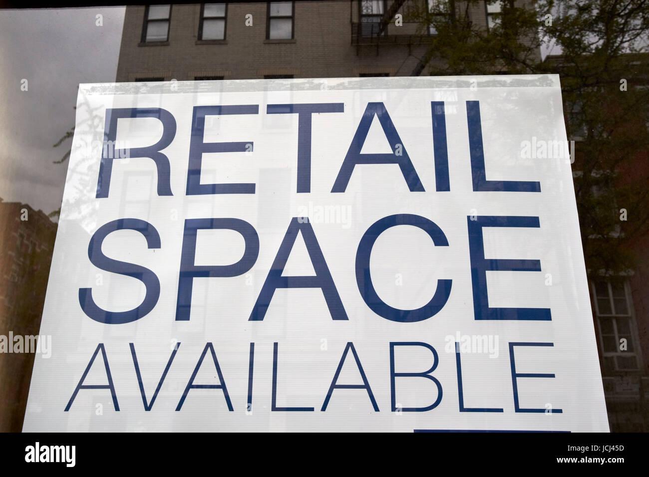 Spazio retail disponibile il negozio è vuoto davanti il Greenwich Village di New York City STATI UNITI D'AMERICA Immagini Stock