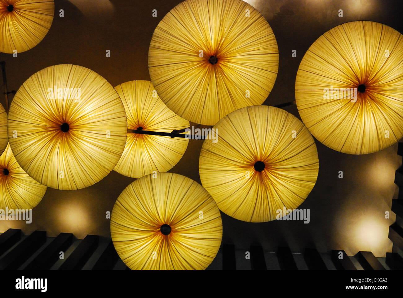 Ombrelli illuminato dal basso con inquadratura parziale Immagini Stock