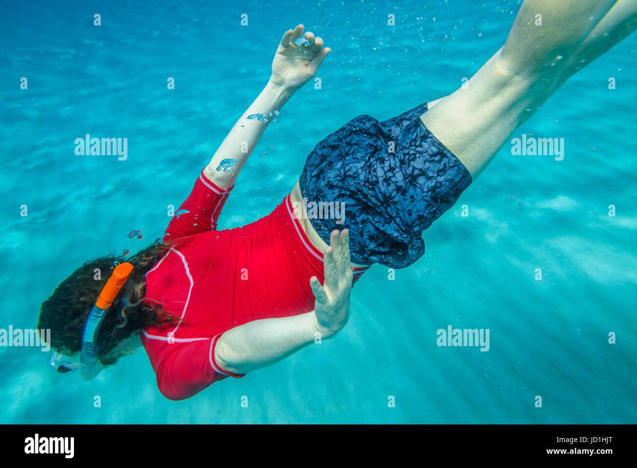 Maschio subacquea apnea Immagini Stock
