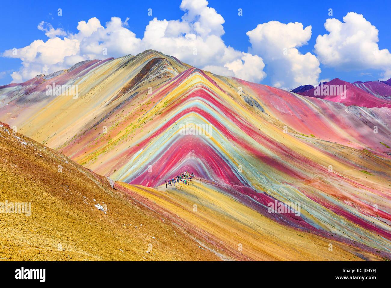 Vinicunca, regione di Cusco, Perù. Montana de Siete Colores, o Rainbow Mountain. Foto Stock