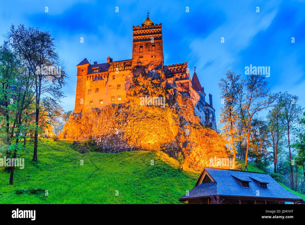 Brasov, in Transilvania. La Romania. Il castello medievale di crusca, noto per la leggenda di Dracula. Immagini Stock