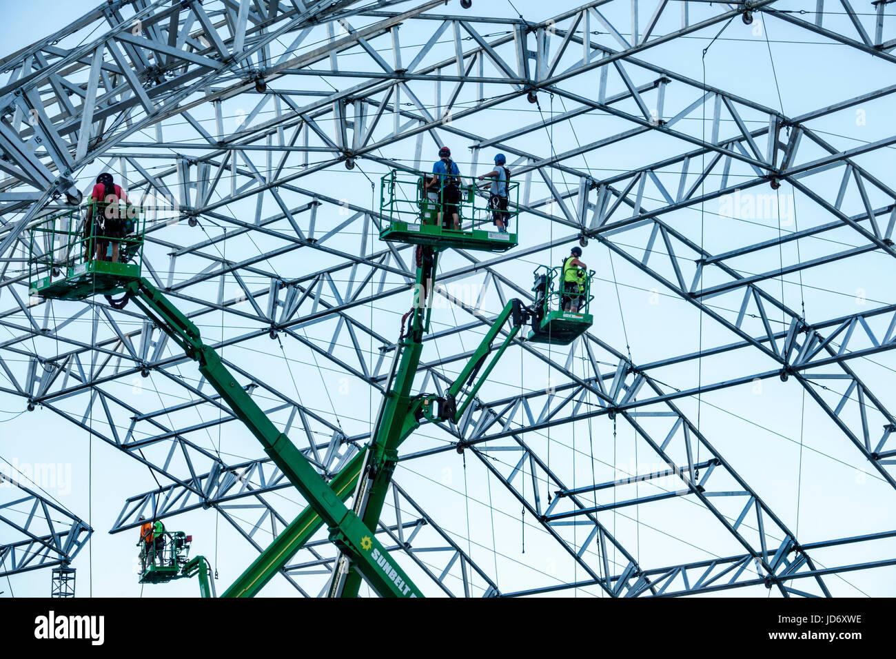 Miami Florida Downtown Biscayne Boulevard Bayfront Park Ultra Music Festival struttura di stadio di supporto strutturale Foto Stock