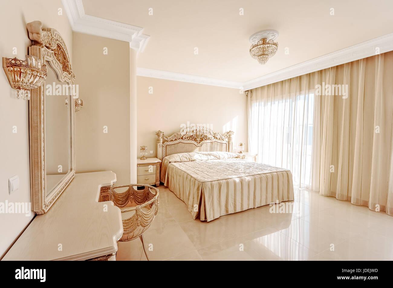 Colori Pastello Per Camera Da Letto : Lussuosa camera da letto in colori pastello in stile neoclassico