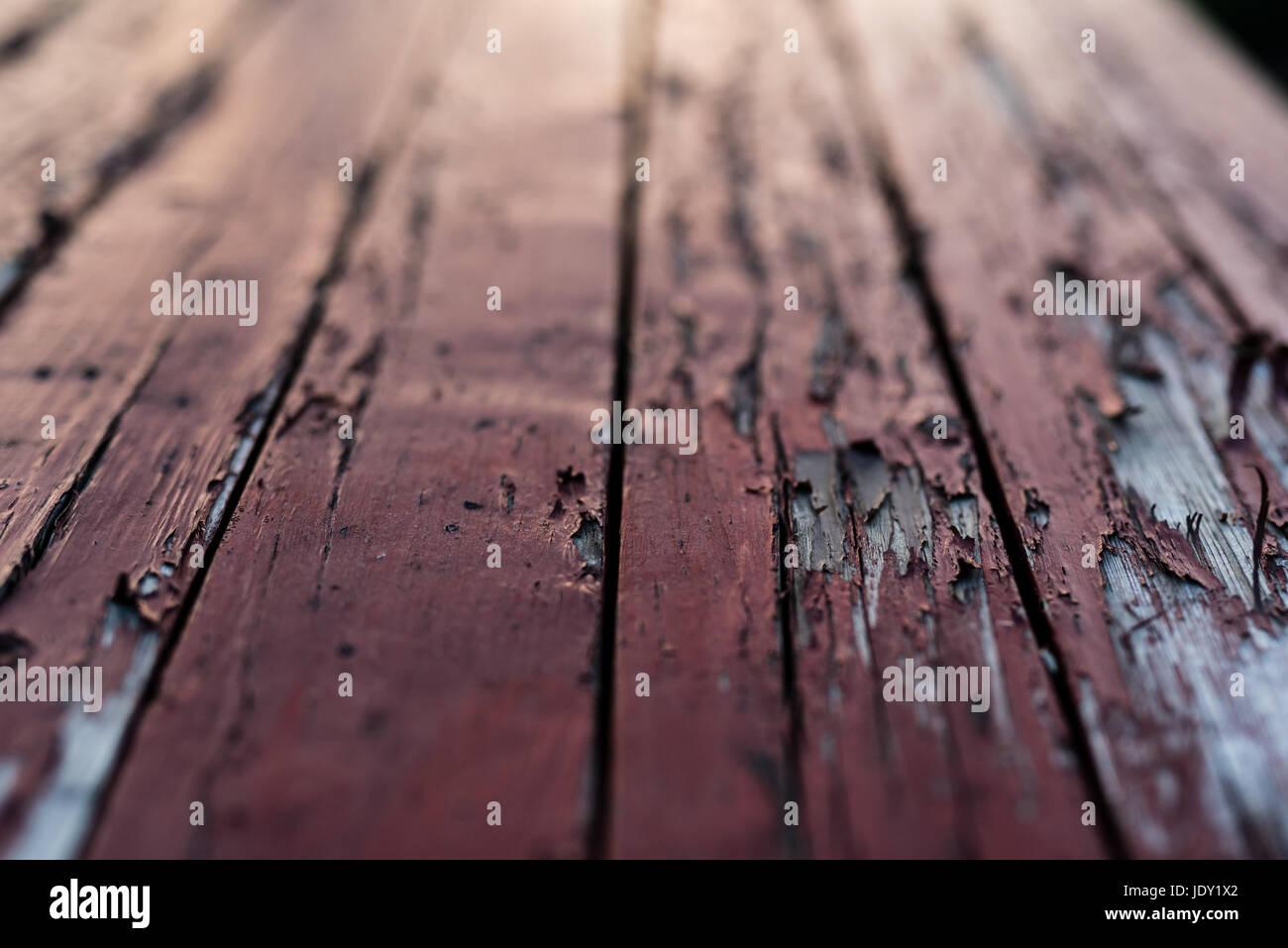 Colori Vernici Legno : Colore rosso pavimento in legno con vernice rossa inizia a