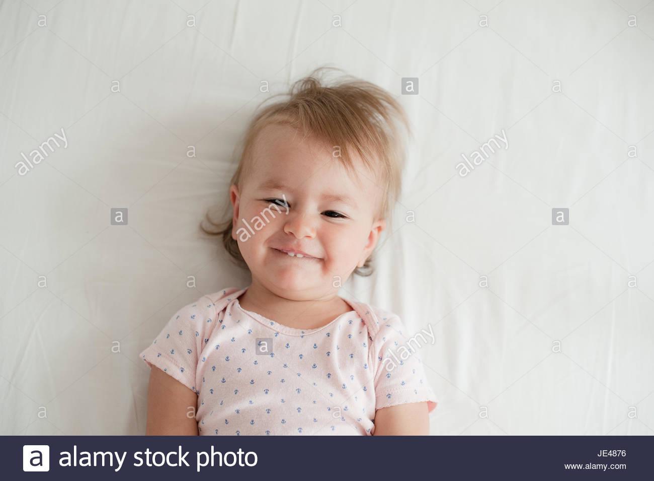Cordiale di un anno di età bambino sorridente Immagini Stock