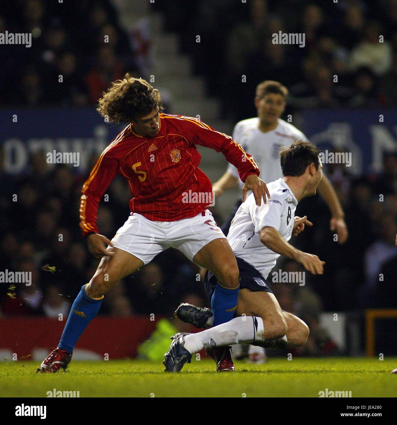 Sfide di Carles PUYOL LAMPARD INGHILTERRA V SPAGNA OLD TRAFFORD Manchester Inghilterra 07 Febbraio 2007 Immagini Stock