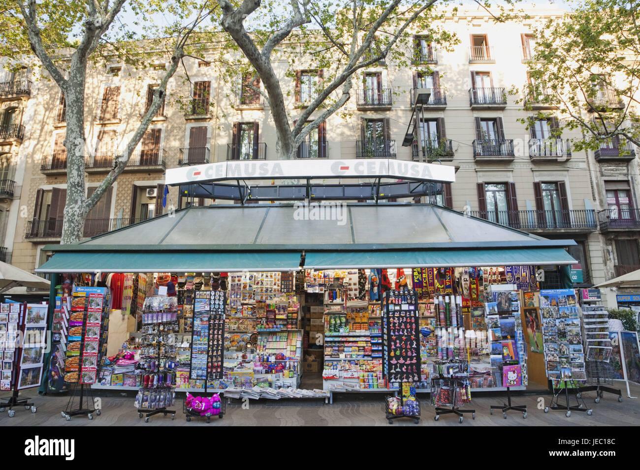 Spagna, Barcellona, Las Ramblas, il negozio di souvenir, edicola, Immagini Stock