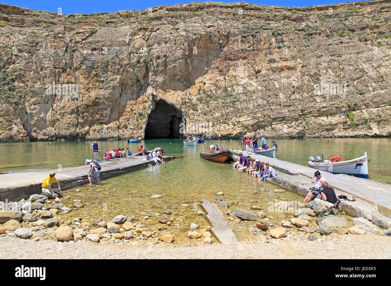 Il Mare Interno di attrazione turistica, Dwerja Bay, isola di Gozo, Malta Foto Stock