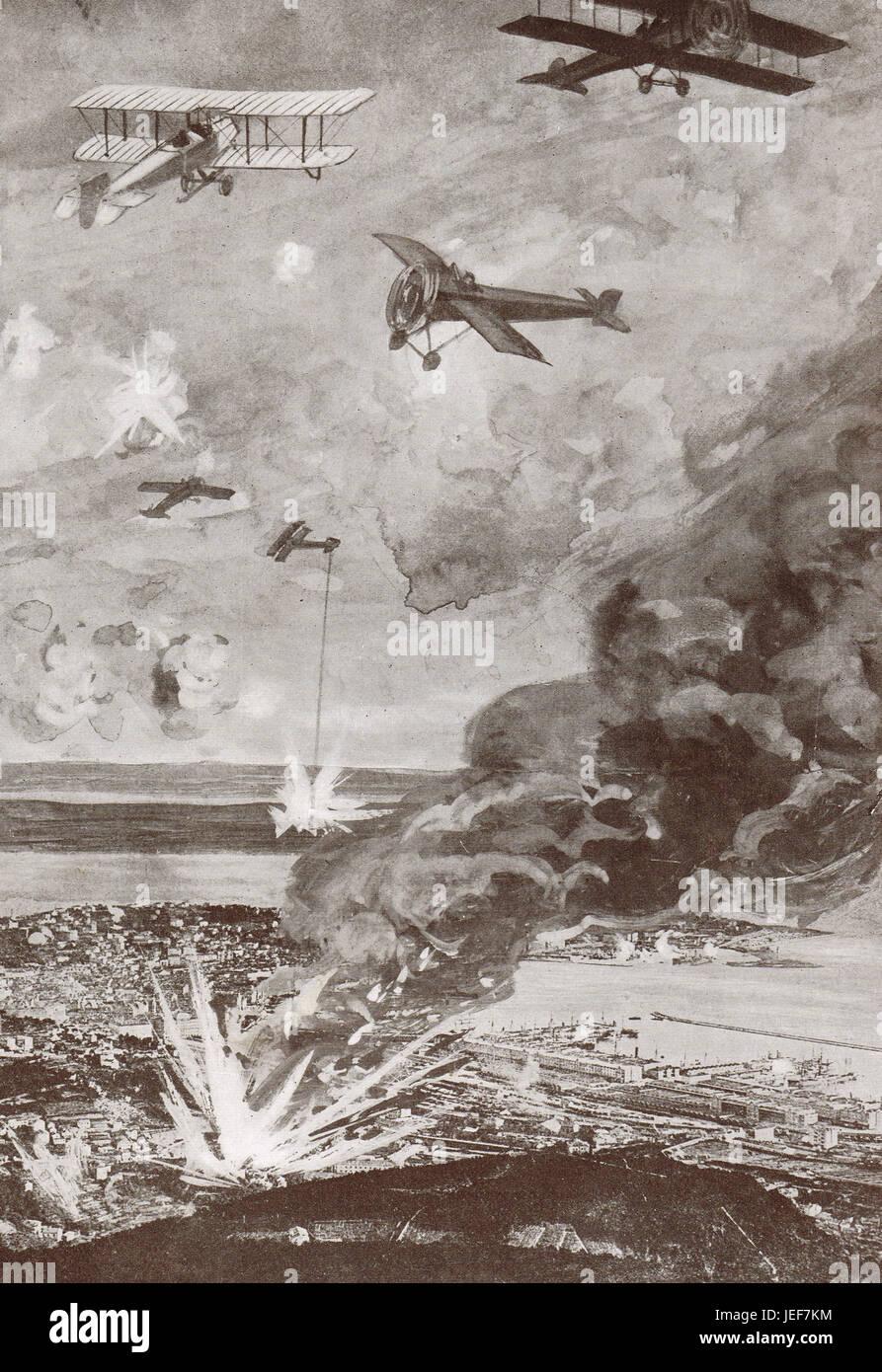 Forza Aerea Italiana attacco Sant' Andrea fabbrica di munizioni, Trieste, 1915 Immagini Stock