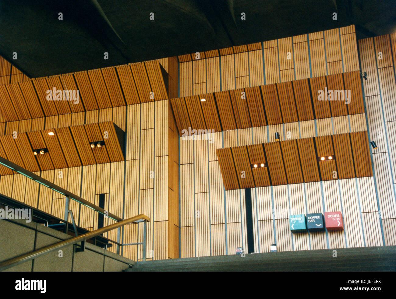 La opera house di sydney in australia con la sua facciata con