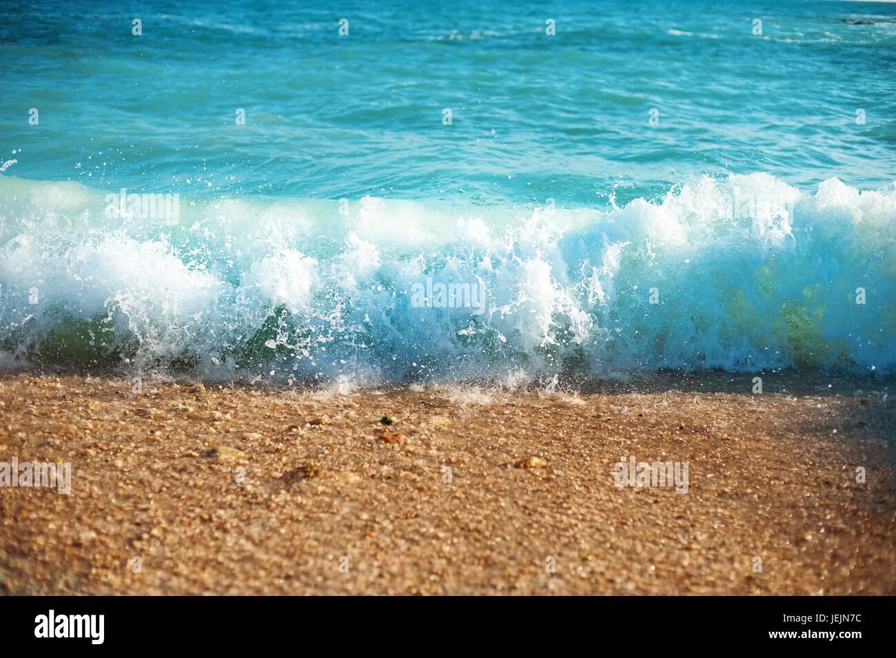 Riva Del Mare In Estate Giornata Soleggiata Onde Blu Texture Acqua