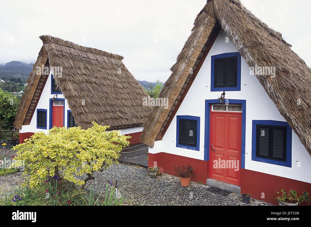 Il portogallo isola di madera santana casa de colmo for Destinazione casa
