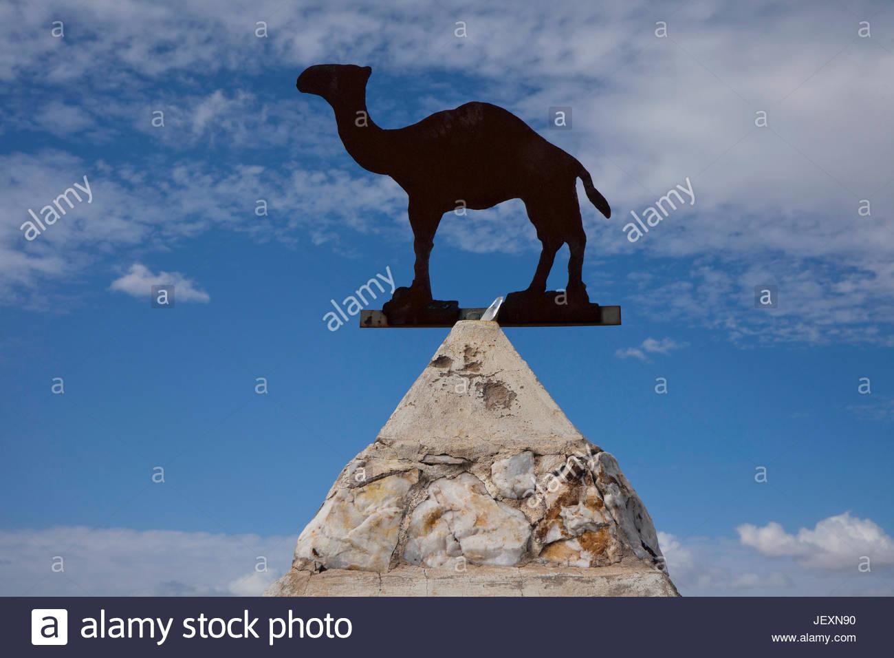 Un monumento in un cimitero a Hi Jolly, Siriano nato camel herder che è stato assunto per gestire l'esercito Immagini Stock