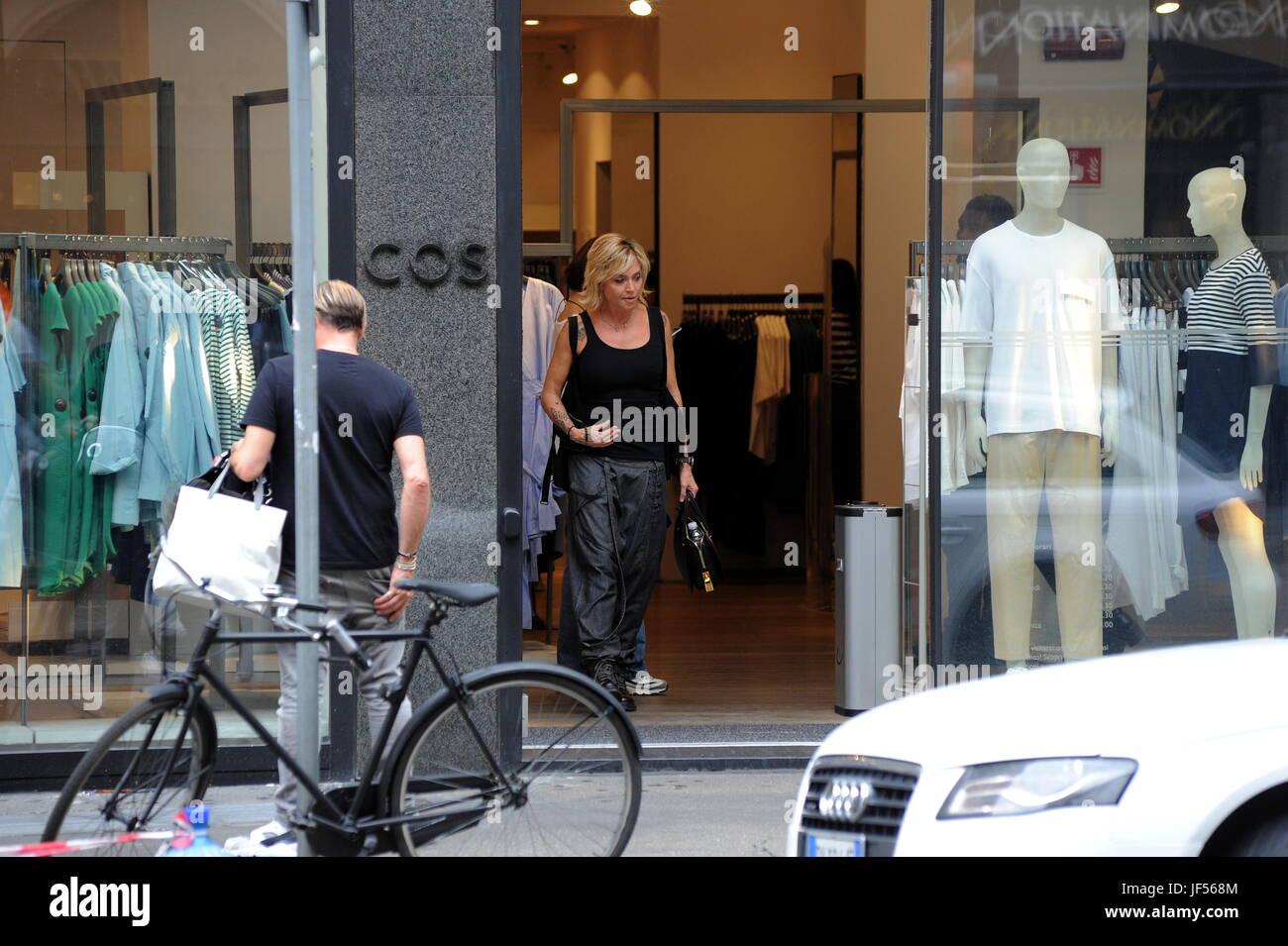 Negozi Per La Casa Milano milano, paola barale rende lo shopping nel centro paola