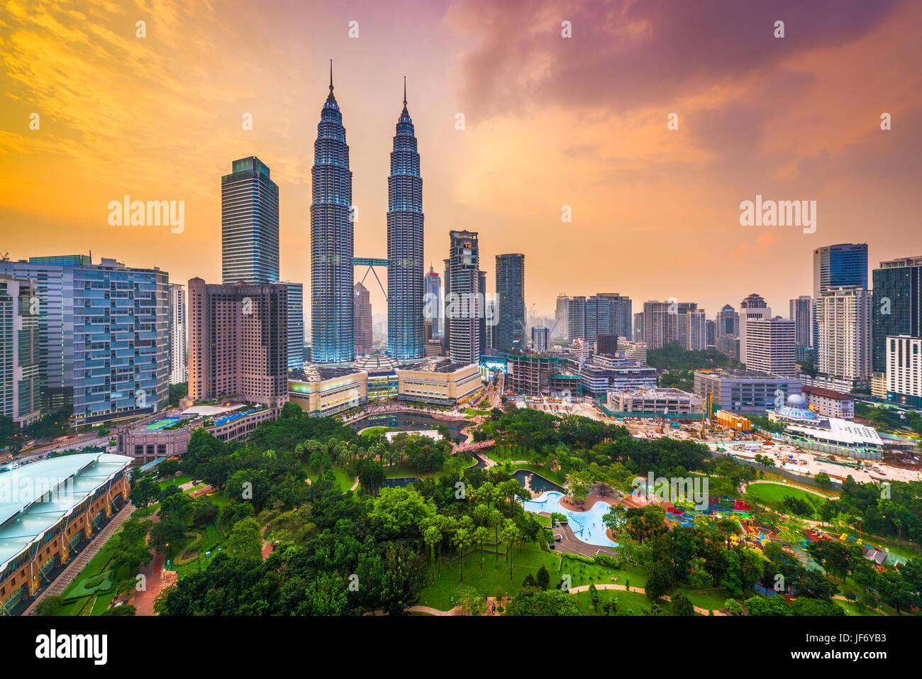 Kuala Lumpur, Malesia park e lo skyline. Immagini Stock