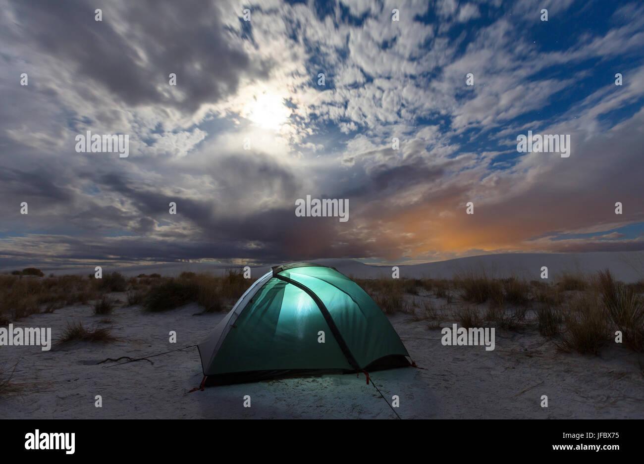 Tenda nel deserto Foto Stock