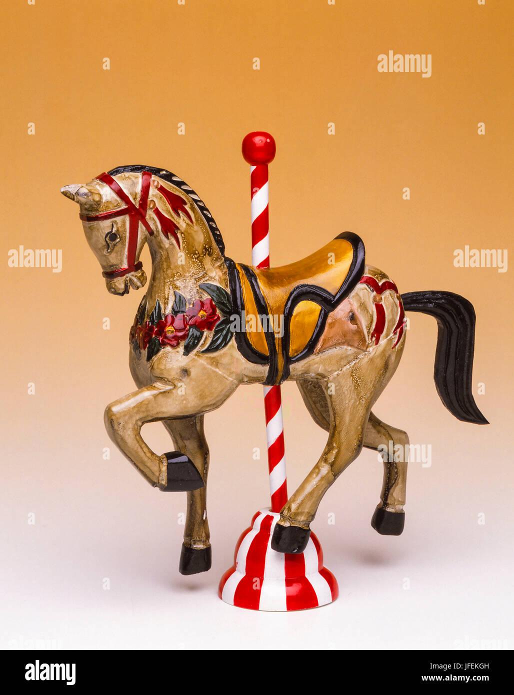 Cavallo Di Legno Giocattolo.Giostra Del Cavallo Di Legno Giocattoli Foto Immagine