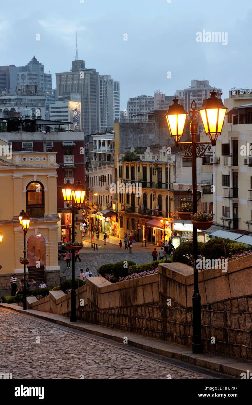 Cina, Macao, centro storico, patrimonio mondiale dell UNESCO, Calle de Sao Paulo Immagini Stock