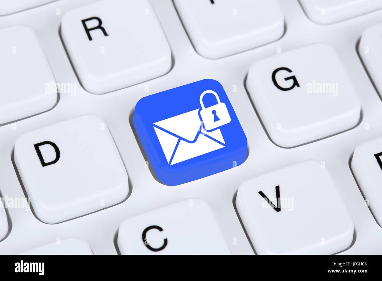 Sichere Verschlüsselte E-Mail senden im Internet Immagini Stock