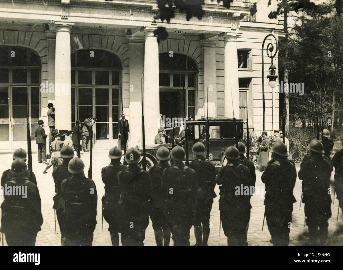 PM francese Georges Clemenceau arriva a Versailles per il Trattato di pace dopo WW1, Francia Immagini Stock