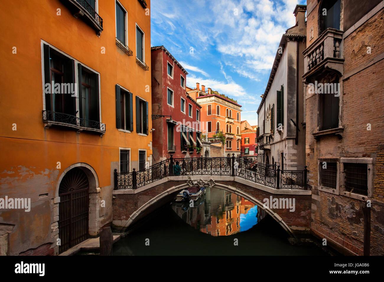 Tranquillo canale di Venezia, Italia Immagini Stock