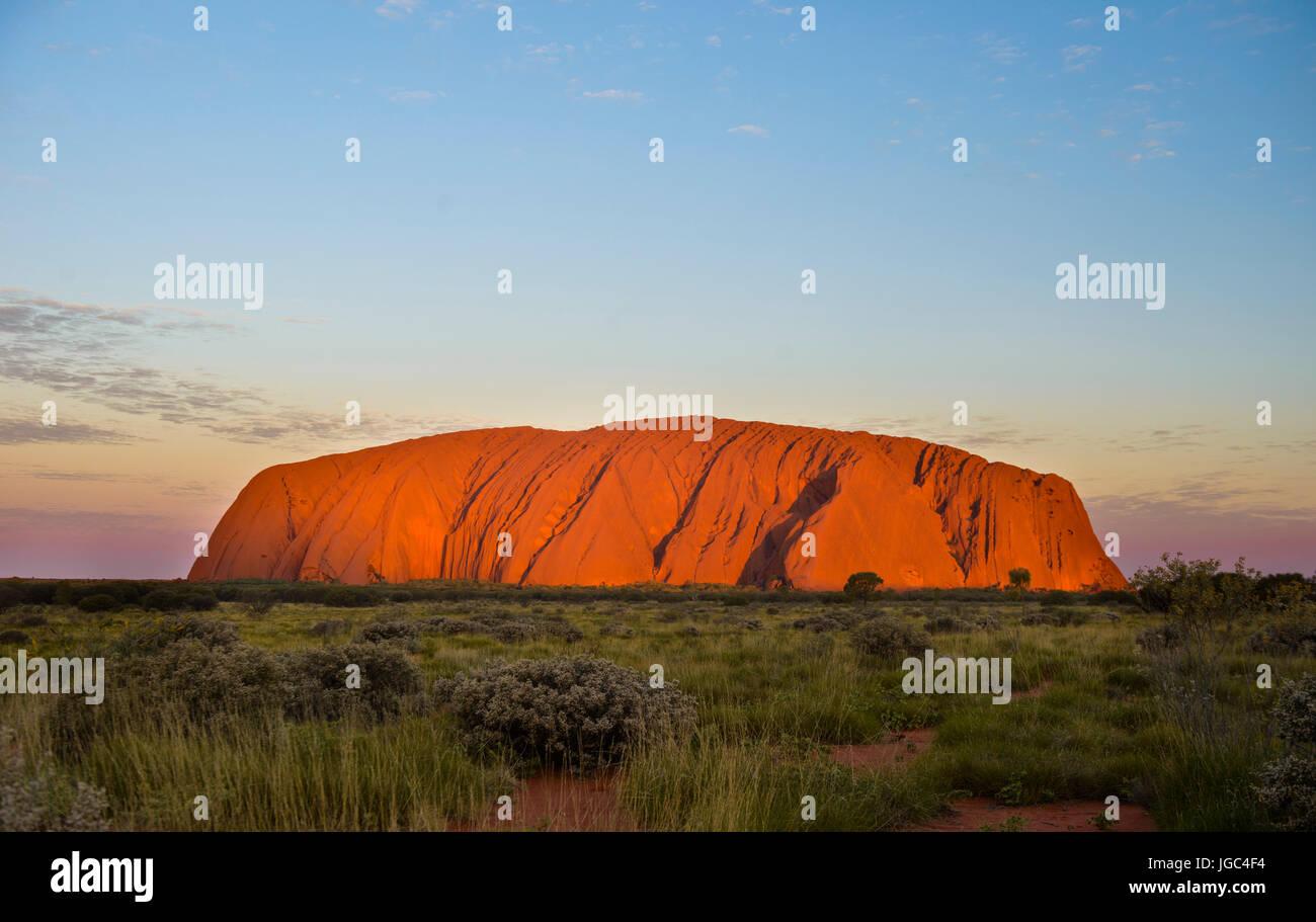 Uluru Ayers rock, uluru-kata-Tjuta National Park, il territorio del nord, l'australia Immagini Stock