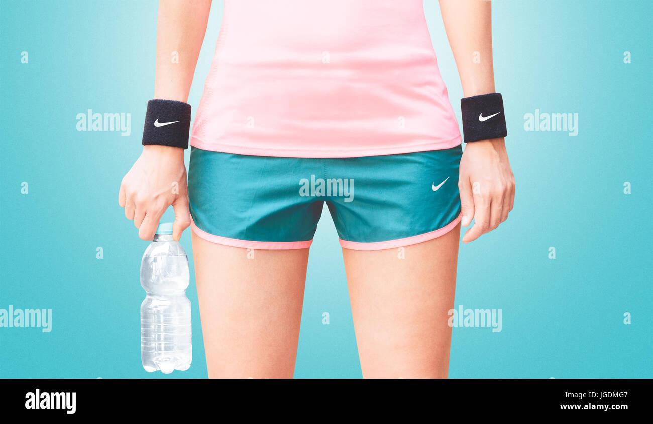 abbigliamento sportivo nike donna fitness