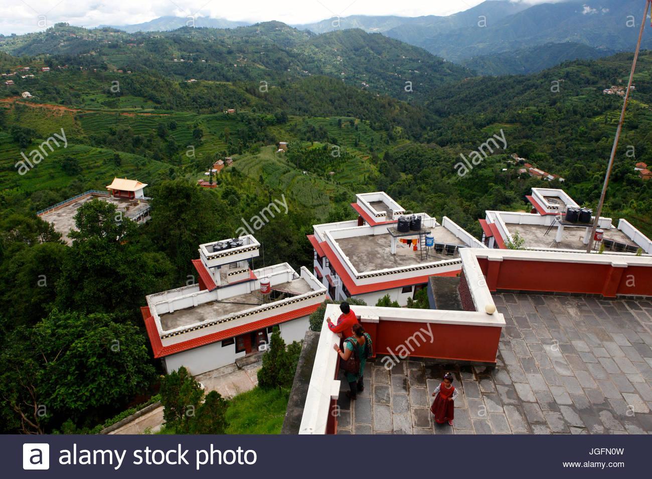 Thrangu Tashi Yangtse monastero presso il luogo di pellegrinaggio Namo Buddha. Immagini Stock