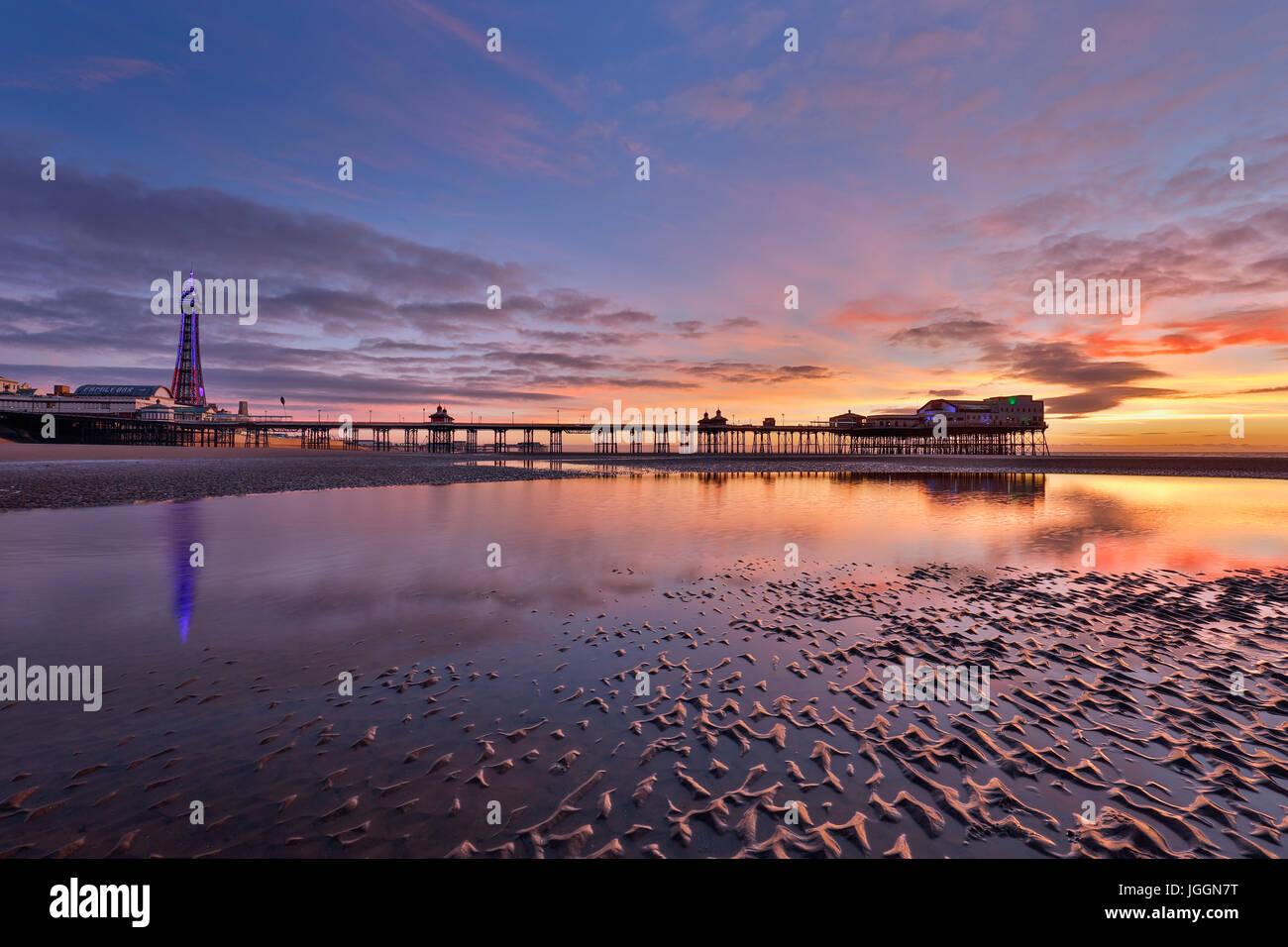 Blackpool; torre; North Pier; shore; lancashire, Regno Unito Immagini Stock