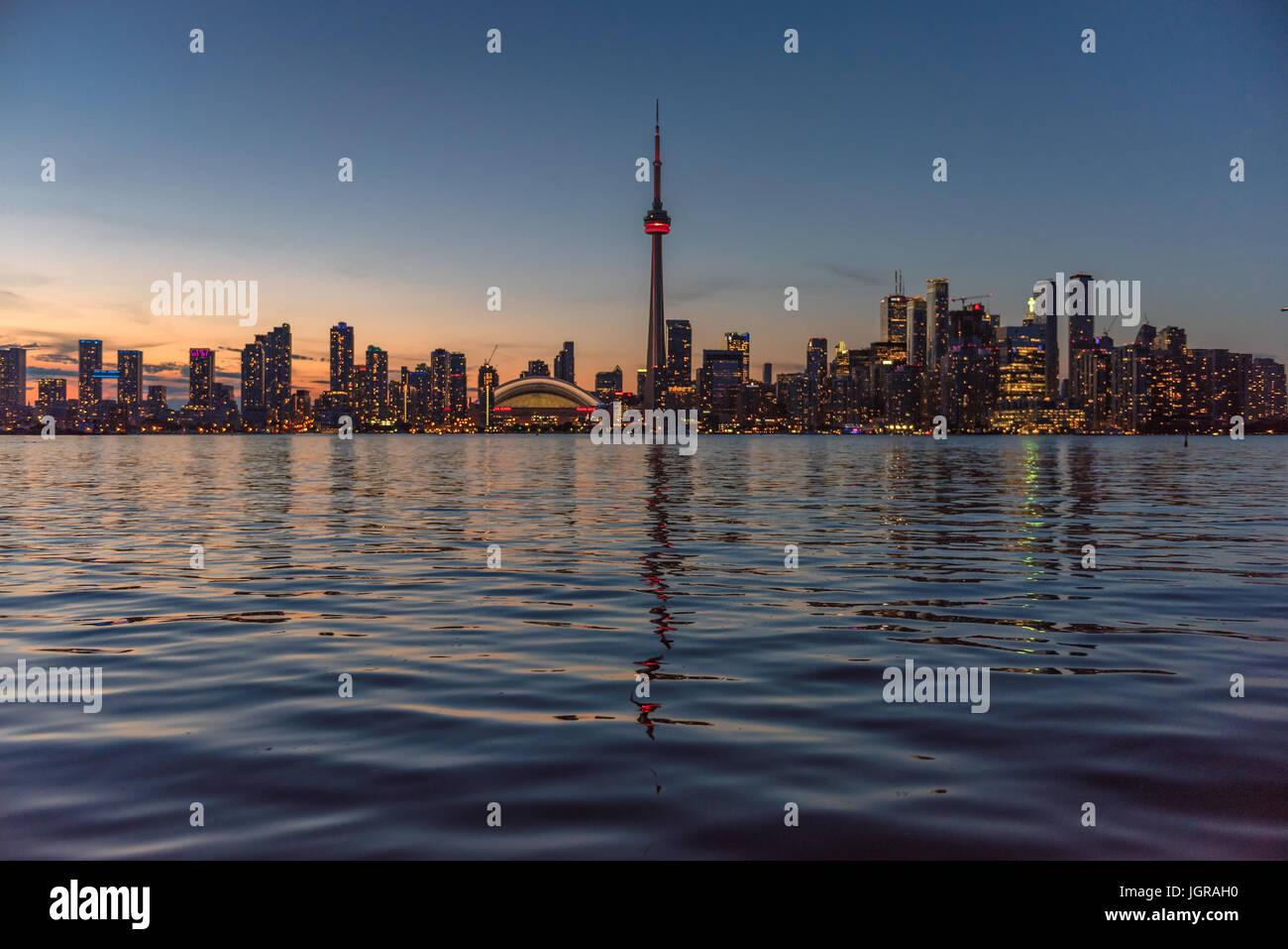 Toronto skyline al tramonto, Canada Immagini Stock