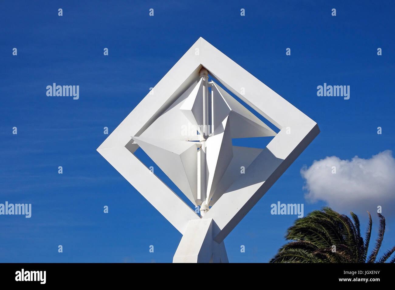 Dettaglio von de grossskulptur mit dem titel windmuehle, kuenstler und architekt Cesar Manrique, an der strasse Immagini Stock