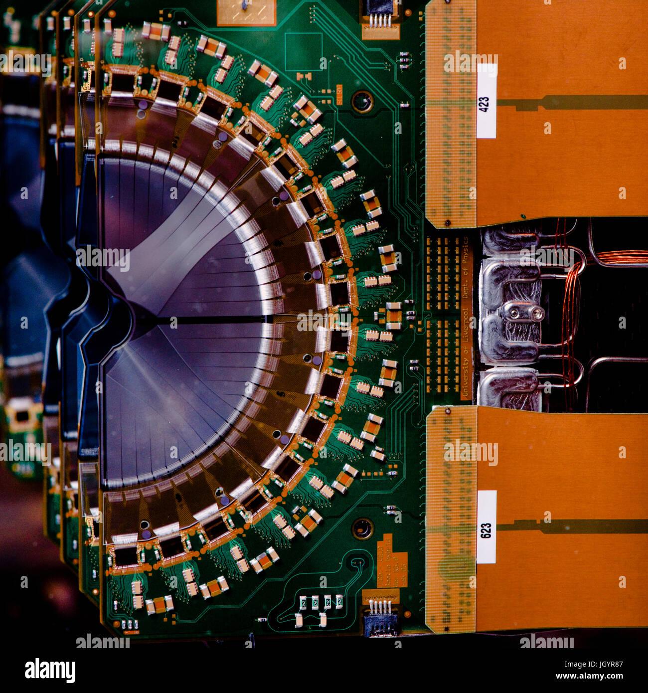 VELO dei moduli nel rivelatore LHCb al CERN Immagini Stock
