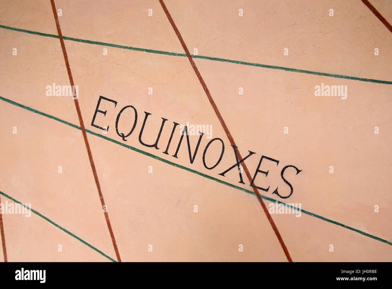 Meridiana. Close-up. La Equinox. La Francia. Immagini Stock