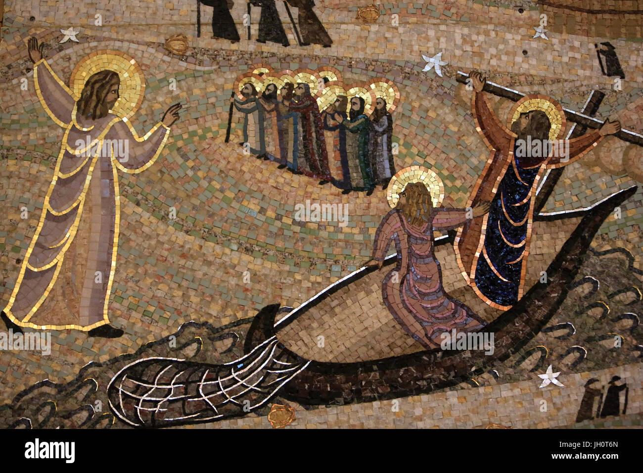Gesù Cristo invita San Giacomo e Giovanni suo fratello a seguirlo. Dettaglio. Saint-Jacques de Compostela. Immagini Stock