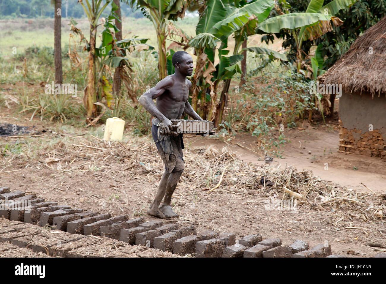 Fabbrica di mattoni. Uganda. Immagini Stock