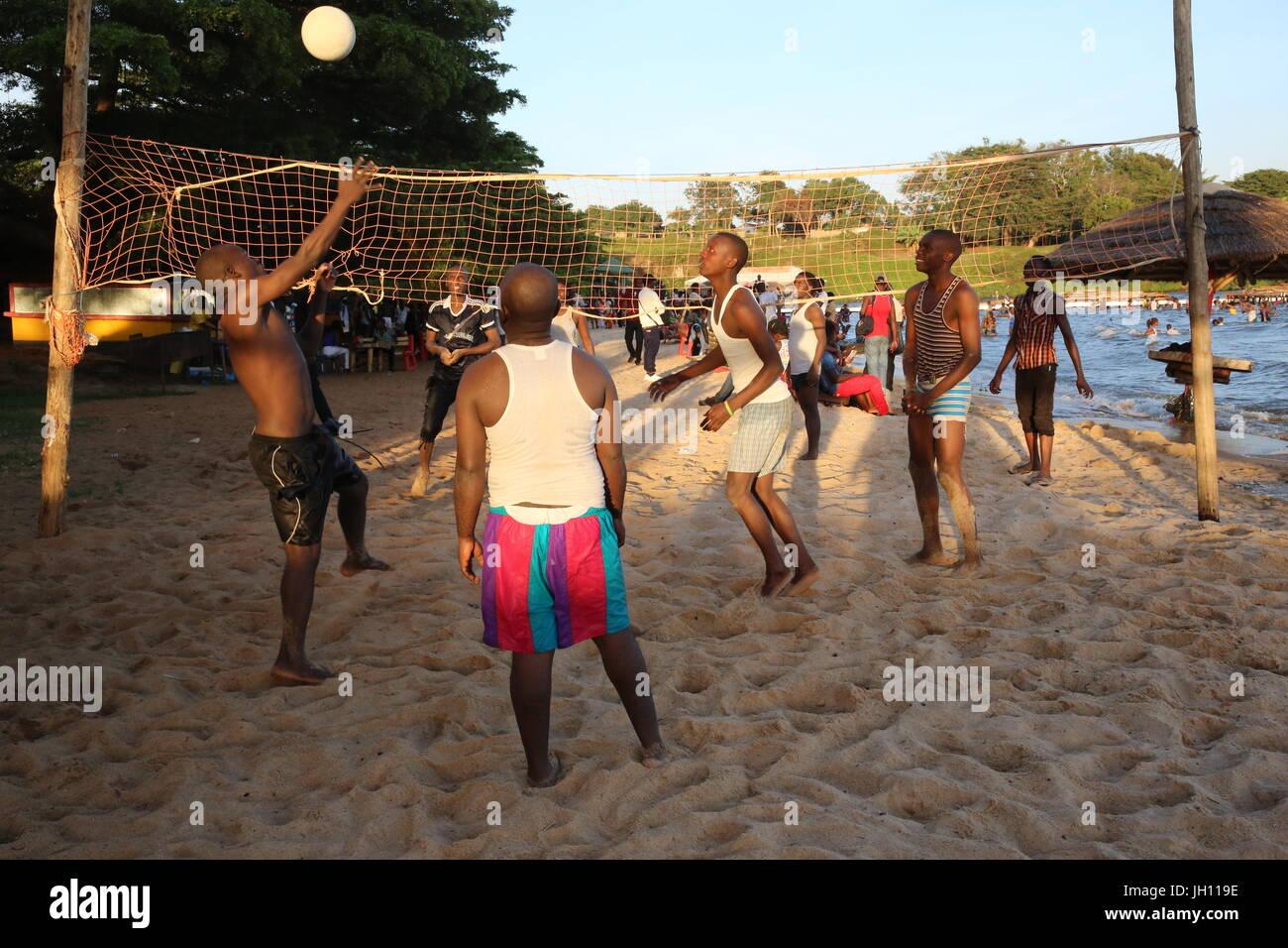 Spiaggia di Entebbe. Beach volley. Uganda. Immagini Stock