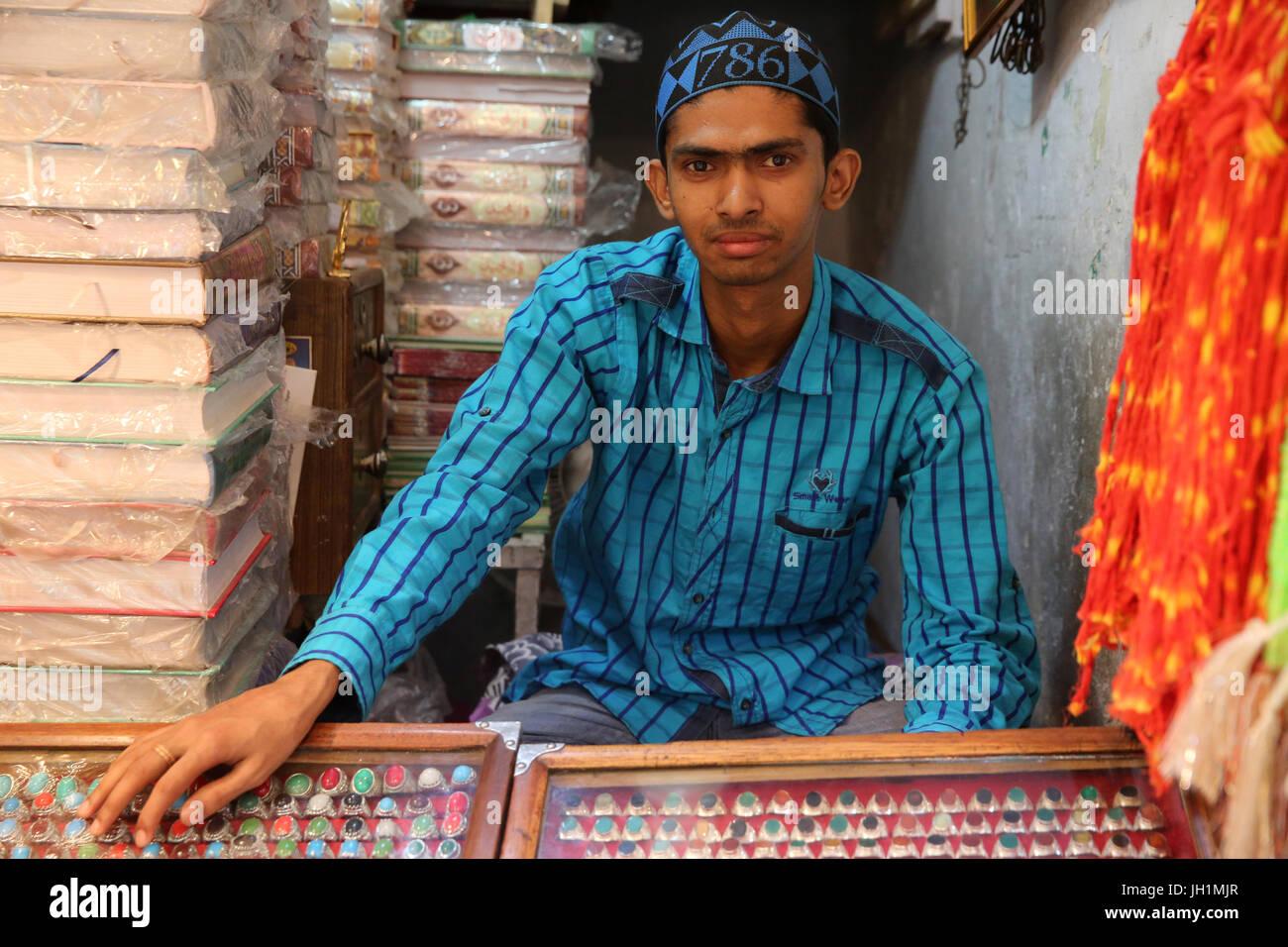 Shop al di fuori di Ajmer dargah Sharif, Rajasthan. India. Immagini Stock