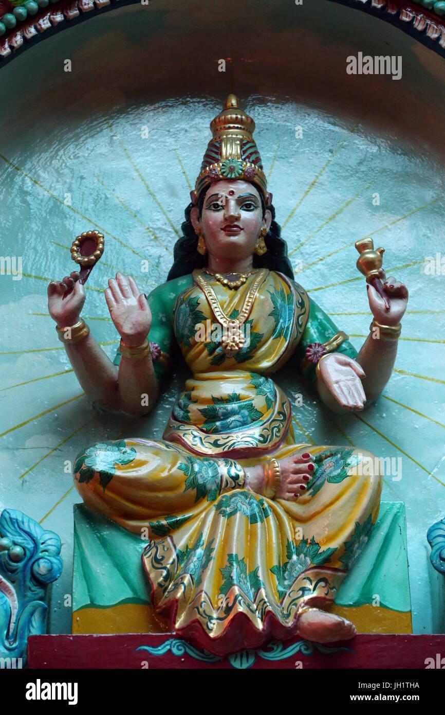 Mariamman tempio indù. Divinità indù. Shakti è il concetto o la personificazione del Femminile Immagini Stock
