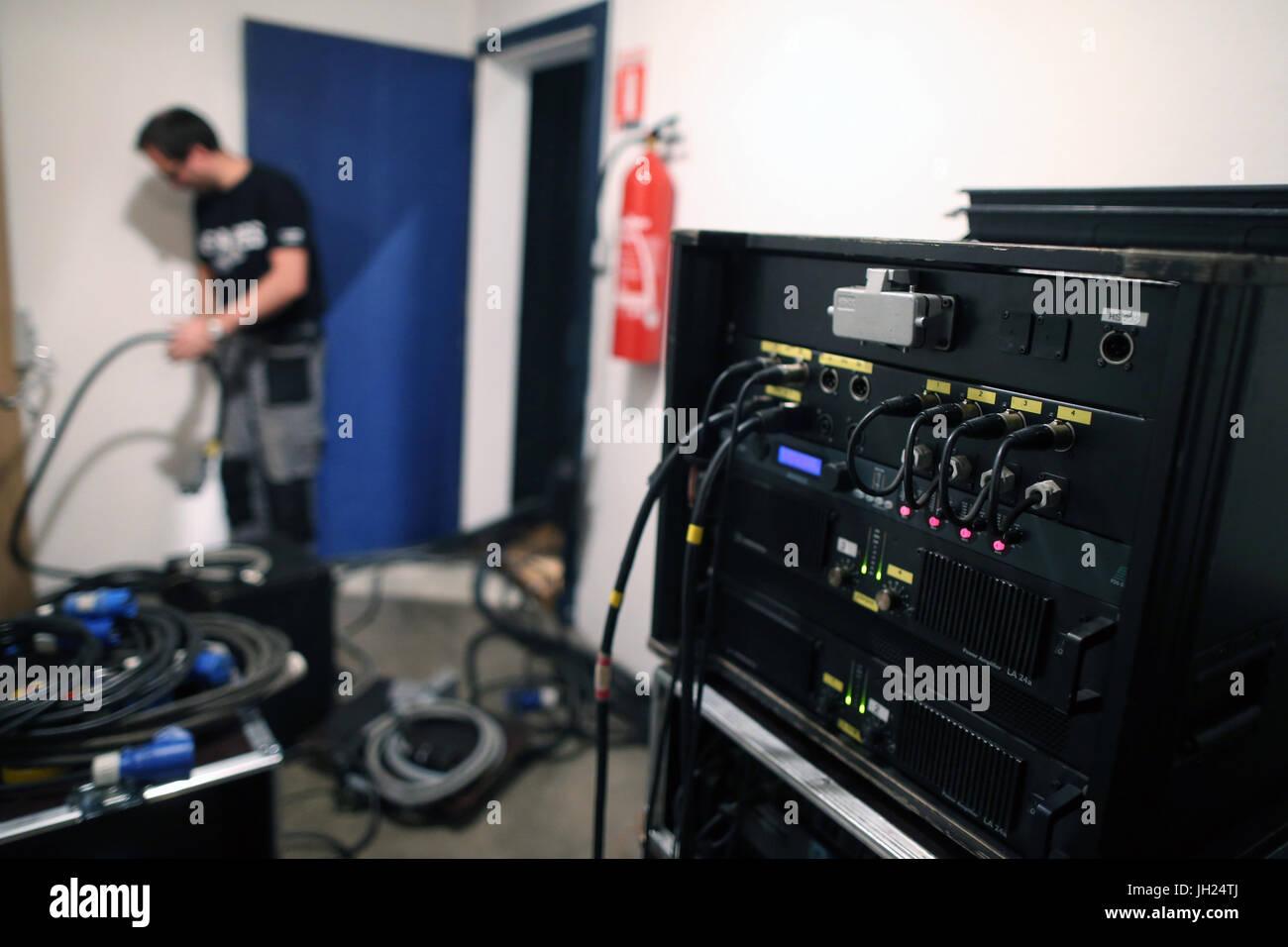 Installazione tecnica dans une salle de spettacolo. La Francia. Immagini Stock