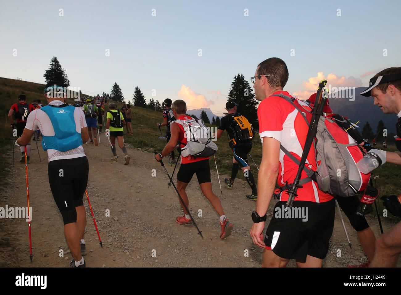 Il Ultra-Trail du Mont-Blanc. Un singolo stadio ultramarathon di montagna nelle Alpi. La Francia. Immagini Stock