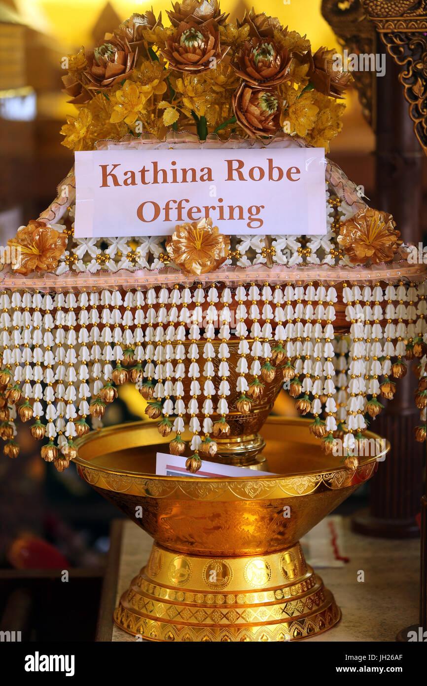 Wat Ananda Metyarama Thai tempio buddista. Kathina Robe offerta. Singapore. Immagini Stock